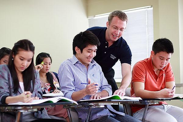 外教一对一培训哪家机构好?如何选择外教一对一培训机构?