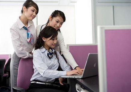 英语外教班价格要多少钱?在线培训有什么好处?
