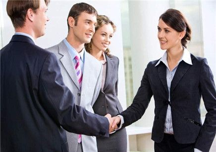 英语网上培训课程好不好?选择一家好的英语培训机构需要注意什么?